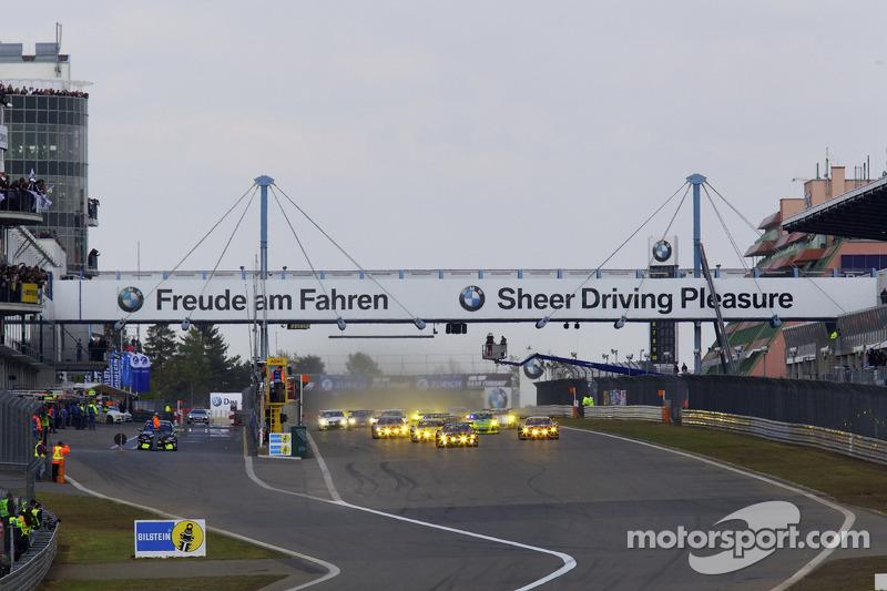 Start: #100 Team Abt Sportsline Audi R8 LMS: Mattias Ekström, Oliver Jarvis, Timo Scheider, Marco Werner leads the field