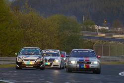 #79 Derichs Rennwagen Audi D2 W12: Manfred Kubik, Keith Ahlers, Erwin Derichs, Hans Georg Dornhege, #243 Honda Civic Type-R: Rod Hicks, David Glasson, Peter Milliner, Gregory Spark