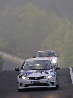 #155 Mathol Racing Honda Civic Type-R: Matthias Holle, Norbert Bermes