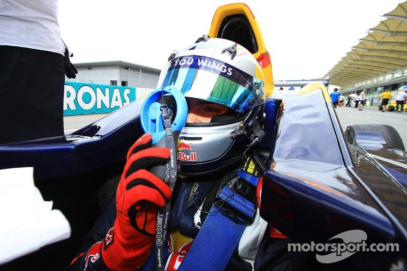 Carlos Sainz Jr., Eurointernational