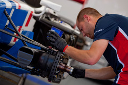 A isport mechanic at work