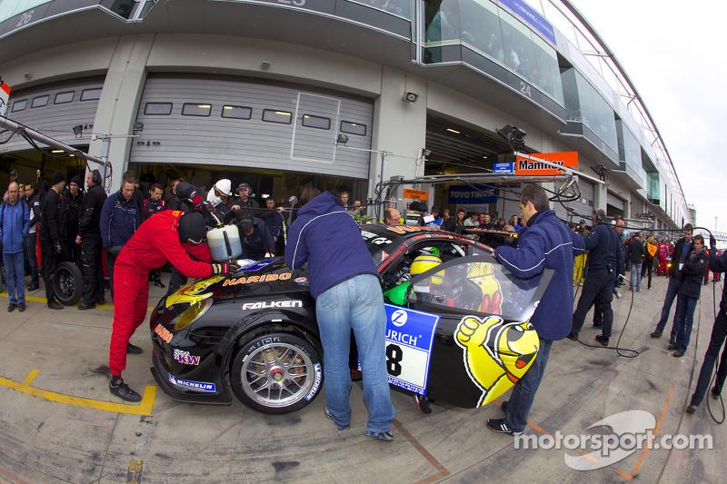 Pitstop #8 Haribo Team Manthey GT3 Porsche GT3 R: Lance David Arnold, Christian Menzel, Richard Westbrook, Alexandros Margaritis