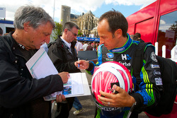 Marco Werner signs autographs