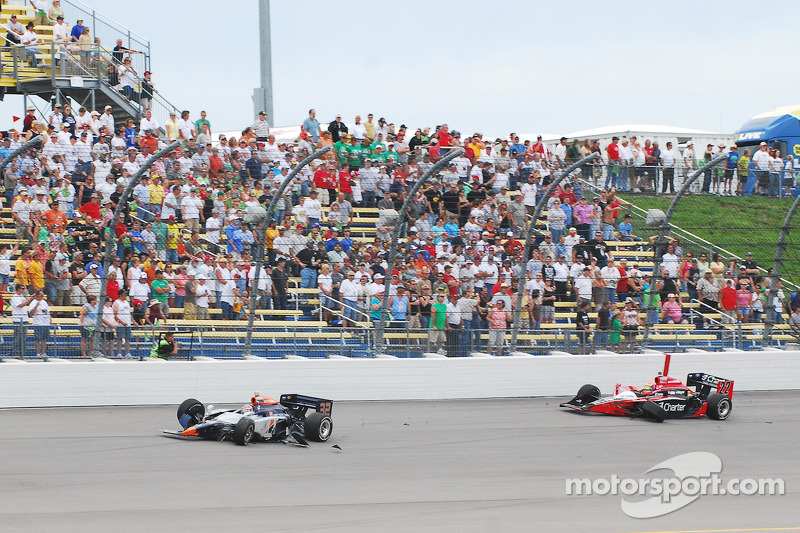 Na crash Mario Moraes, KV Racing Technology en Justin Wilson, Dreyer and Reinbold Racing