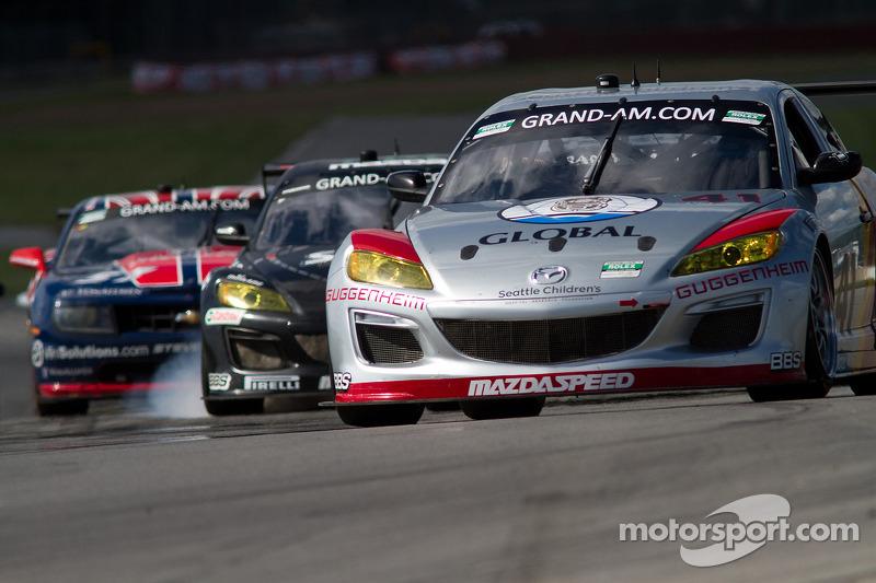 Close racing in de eerste ronden bij de GT's