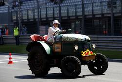Антониу Феликс да Кошта, BMW Team Schnitzer, BMW M4 DTM на гонке тракторов