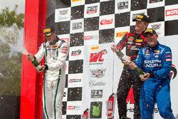 GT podium: peringkat kedua Patrick Long, pemenang Andrew Palmer, peringkat ketiga Ryan Eversley