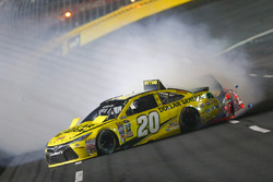 Matt Kenseth, Joe Gibbs Racing Toyota kecelakaan