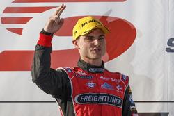 Podium: Sieger Tim Slade, Brad Jones Racing Holden