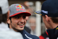 Carlos Sainz Jr, Red Bull Racing en el desfile de pilotos
