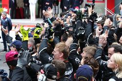 Sahara Force India F1 feiert Platz drei von Sergio Perez