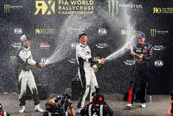 Podium: pemenang Mattias Ekstrテカm, EKS RX Audi S1, peringkat kedua Petter Solberg, PSRX Citroテォn DS3 RX, peringkat ketiga Petter Solberg, PSRX Citroテォn DS3 RX