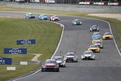 Старт: Хосе-Мария Лопес, Citroën World Touring Car Team, Citroën C-Elysée WTCC лидирует