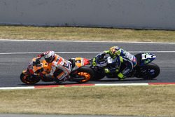Marc Marquez, Repsol Honda Team, overtakes Valentino Rossi, Yamaha Factory Racing