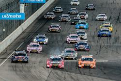 Start: Miguel Molina, Audi Sport Team Abt Sportsline, Audi RS 5 DTM; Jamie Green, Audi Sport Team Rosberg, Audi RS 5 DTM