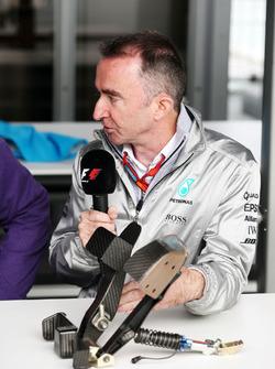 Падді Лоу, Mercedes AMG F1, виконавчий директор, із педалями F1