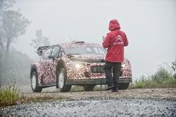 Kris Meeke teste la Citroën C3 WRC 2017