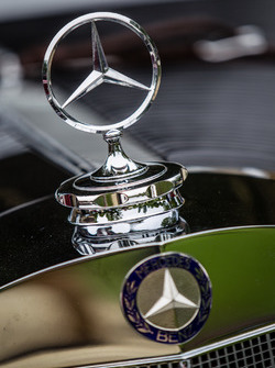 Classic Grand Tour: Mercedes-Benz logo