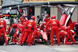 Кімі Райкконен, Ferrari SF16-H, робить піт-стоп