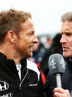 (L to R): Jenson Button, McLaren with David Coulthard, Red Bull Racing and Scuderia Toro Advisor / Channel 4 F1 Commentator on the grid