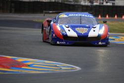#57 AF Corse, Ferrari 488: Aleksey Basov, Victor Shaitar
