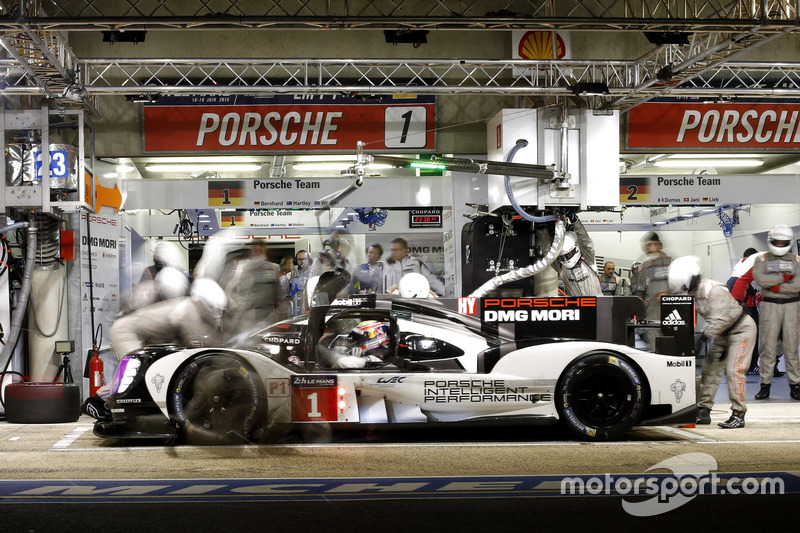 1. #1 Porsche Team Porsche 919 Hybrid: Timo Bernhard, Mark Webber, Brendon Hartley