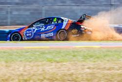 Aaren Russell, Erebus Motorsport Holden in trouble