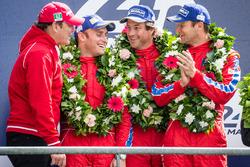 Podio LMGT Am: vincitori di classe #62 Scuderia Corsa Ferrari 458 Italia: Bill Sweedler, Jeff Segal, Townsend Bell