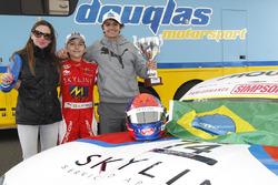 Pemenang lomba Enzo Fittipaldi bersama brother Pietro Fittipaldi