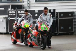 Moto de Stefan Bradl, Aprilia Racing Team Gresini y Alvaro Bautista, Aprilia Racing Team Gresini
