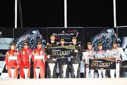 Overall podium: winners #58 Garage 59 McLaren 650S GT3: Rob Bell, Come Ledogar, Shane van Gisbergen, peringkat kedua #50 AF Corse Ferrari 488 GT3: Pasin Lathouras, Michele Rugolo, Alessandro Pier Guidi, peringkat ketiga #3 Belgian Audi Club Team WRT Audi R8 LMS: Jan Magnussen, Filipe Albuquerque, Rodrigo Baptista