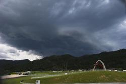 Donkere wolken boven de Red Bull Ring