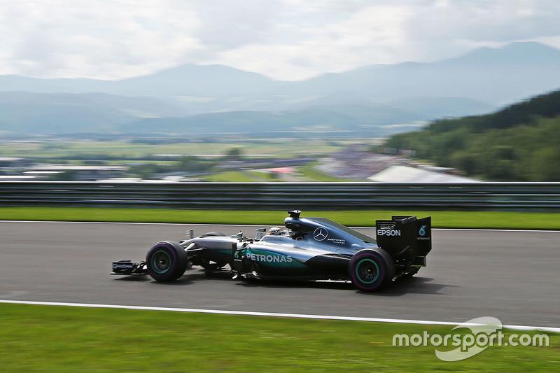 #26: Lewis Hamilton, Mercedes F1 W07 Hybrid, Spielberg 2016: 1:07,922