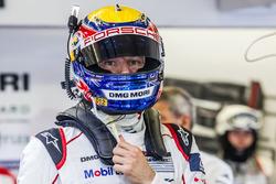 #1 Porsche Team Porsche 919 Hybrid: Mark Webber