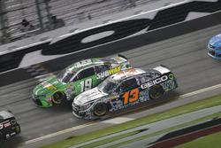 Casey Mears, Germain Racing Chevrolet, Carl Edwards, Joe Gibbs Racing Toyota
