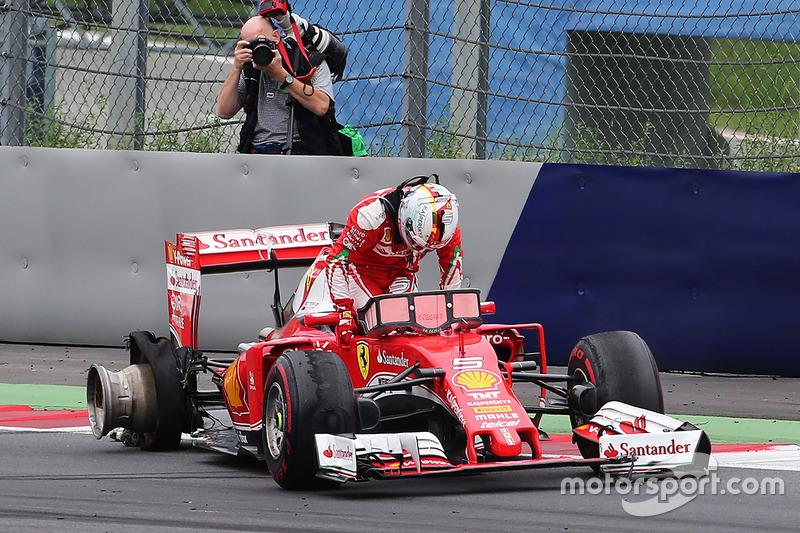 Sebastian Vettel, Ferrari fuera de la carrera