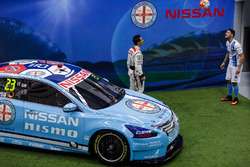 Michael Caruso, Nissan Motorsports, mit Corey Gameiro, Melbourne City FC