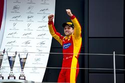 Podio: il vincitore Jordan King, Racing Engineering