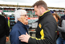 (L to R): Bernie Ecclestone, with Paul Hembery, Pirelli Motorsport Director on the grid