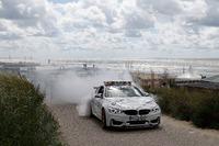Марко Віттманн, BMW Team RMG, BMW M4 DTM разом з машиною безпеки BMW M4 GTS DTM