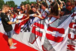 Kevin Magnussen, Renault Sport F1 Team signs autographs for the fans