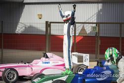 ليون كوهلر، راسغايرا موتورسبورتس، فورمولا 4 الإماراتية