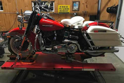 1977 HD Electraglide on the Elevator 1800 Motorcycle Lift