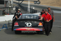 Thomas's crew moves the #5 to the qualifying lineup