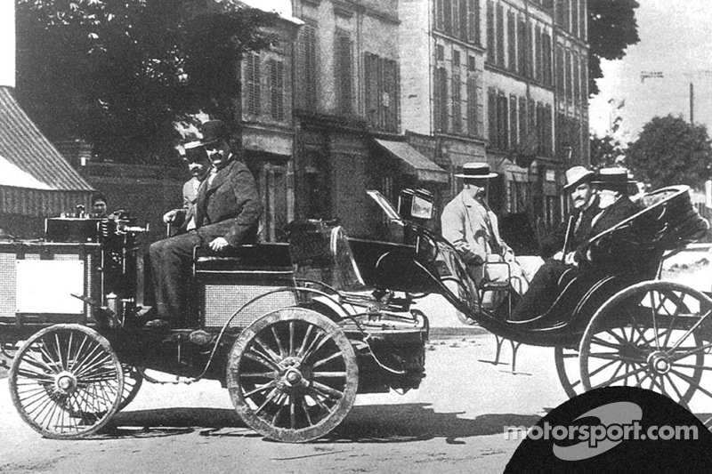Jules Albert de Dion, vencedor da primeira corrida da história