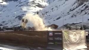 Guerlain Chicherit Jump for world record but crash