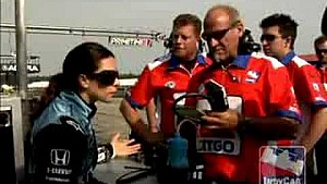 Danica Patrick and Milka Duno argue in pits