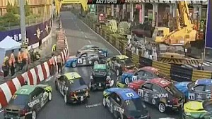 Macau GP 2014, Chinese Cup Racing: start crash and massive pileup