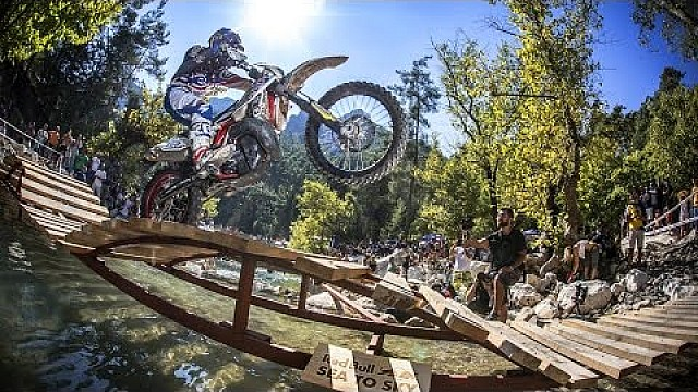 Enduro Racing in the Forest - Day 2 Recap - Red Bull Sea to Sky