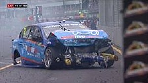 Surfers Paradise: Unfall von Coulthard